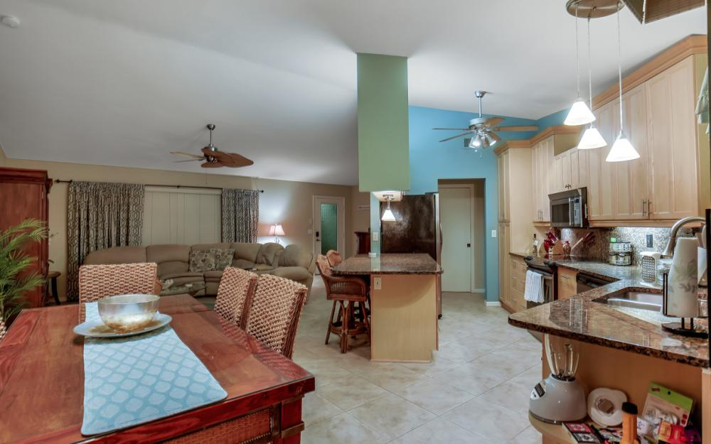 2833 SE 8th Ave, Cape Coral - Vacation Rental 415078028