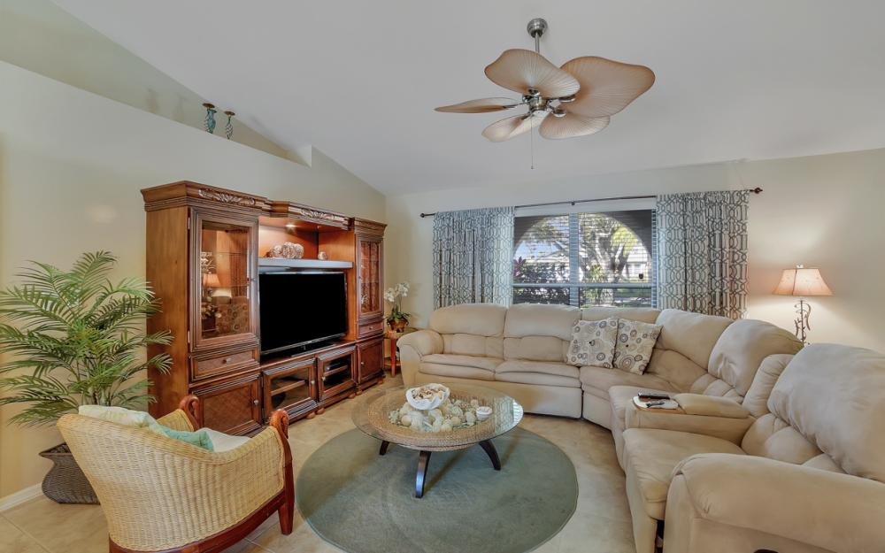 2833 SE 8th Ave, Cape Coral - Vacation Rental 89440229