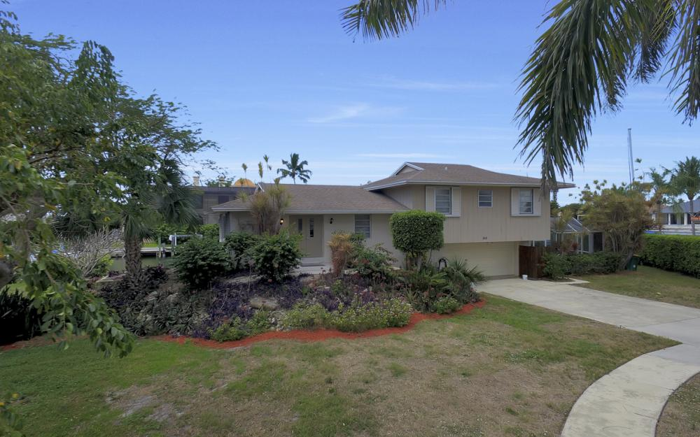 848 Fairlawn Ct, Marco Island - Waterfront Home For Sale 1588548123