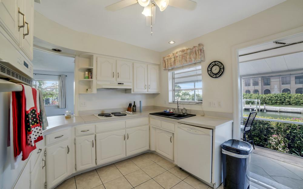 848 Fairlawn Ct, Marco Island - Waterfront Home For Sale 1332297879