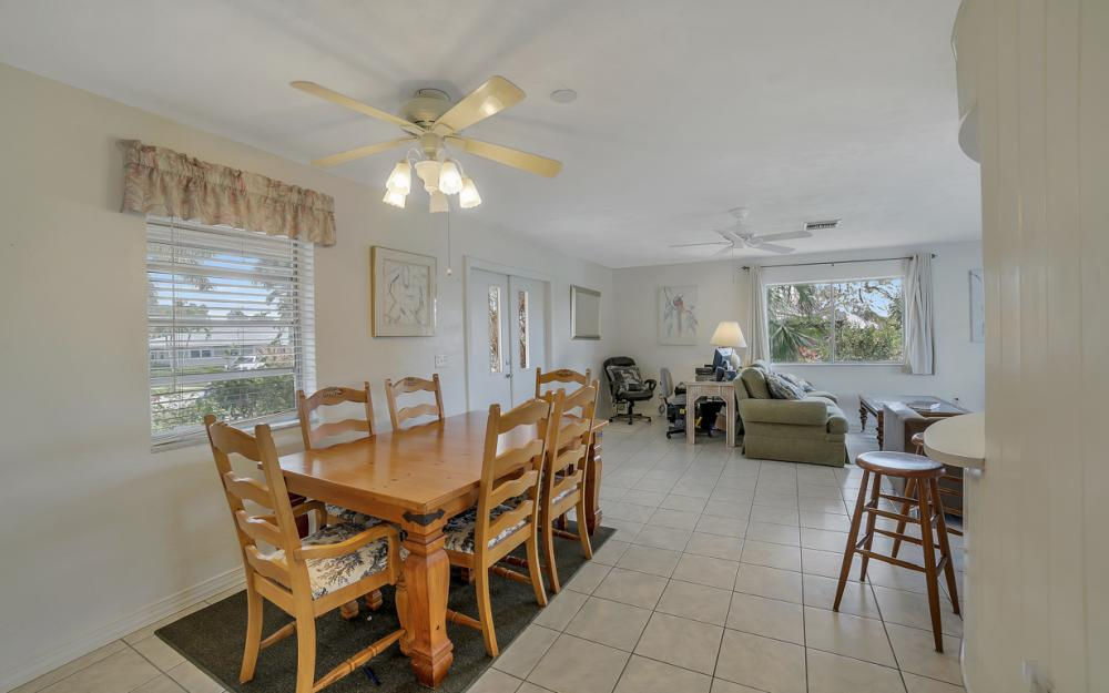 848 Fairlawn Ct, Marco Island - Waterfront Home For Sale 2119022106
