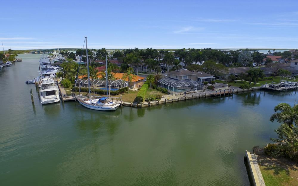 848 Fairlawn Ct, Marco Island - Waterfront Home For Sale 227751718