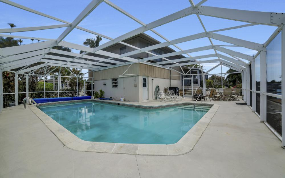 848 Fairlawn Ct, Marco Island - Waterfront Home For Sale 388259652