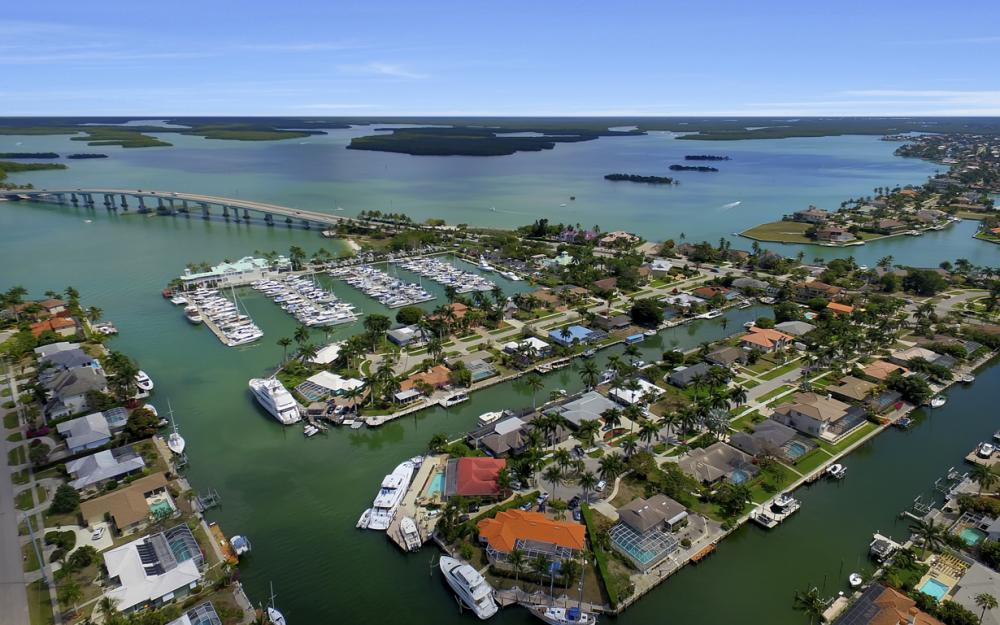 848 Fairlawn Ct, Marco Island - Waterfront Home For Sale 620695351