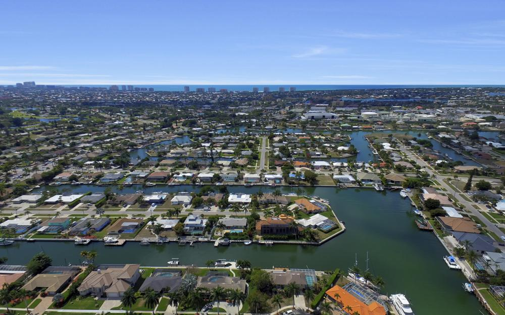 848 Fairlawn Ct, Marco Island - Waterfront Home For Sale 1417424500