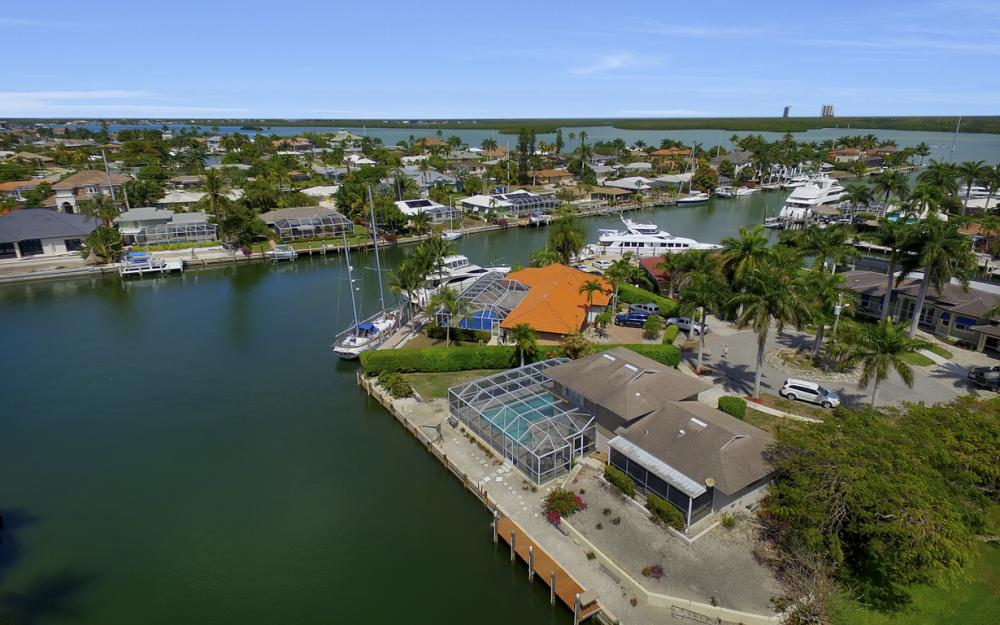 848 Fairlawn Ct, Marco Island - Waterfront Home For Sale 1914015145