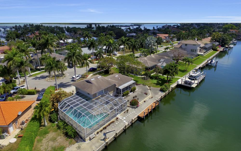 848 Fairlawn Ct, Marco Island - Waterfront Home For Sale 1209175498