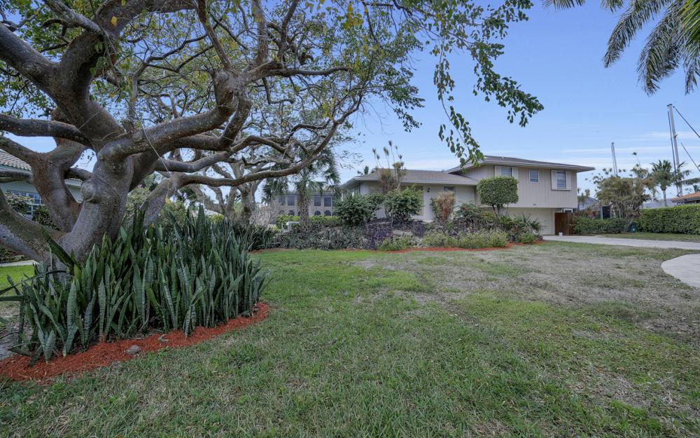 848 Fairlawn Ct, Marco Island - Waterfront Home For Sale 1079230500