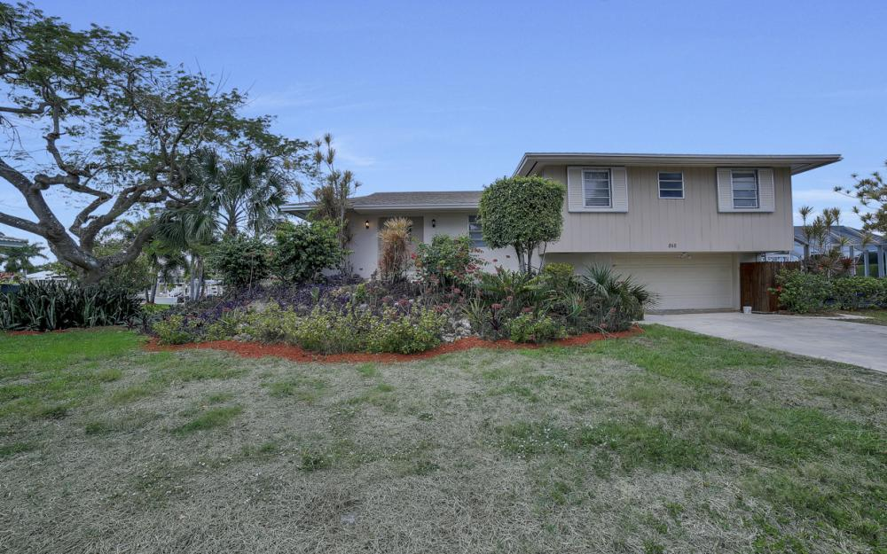 848 Fairlawn Ct, Marco Island - Waterfront Home For Sale 25791701