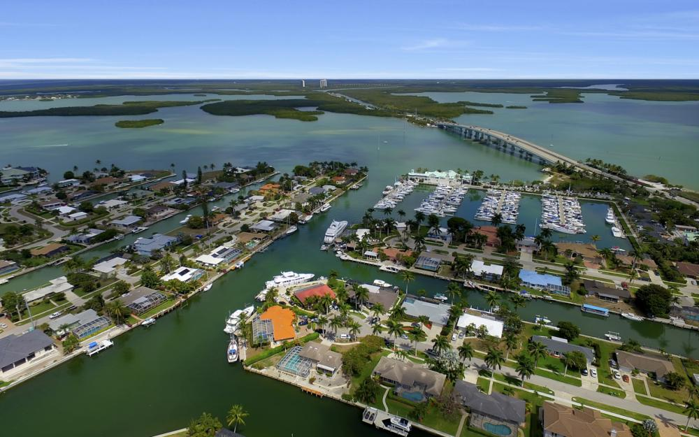 848 Fairlawn Ct, Marco Island - Waterfront Home For Sale 428964473