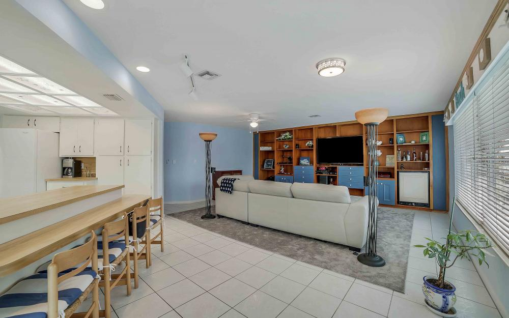 639 Bimini Ave, Marco Island - Waterfront Gulf Access Home For Sale 1204261595