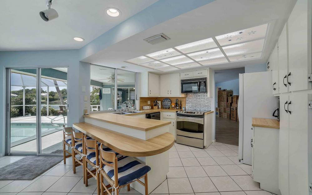 639 Bimini Ave, Marco Island - Waterfront Gulf Access Home For Sale 1213725026