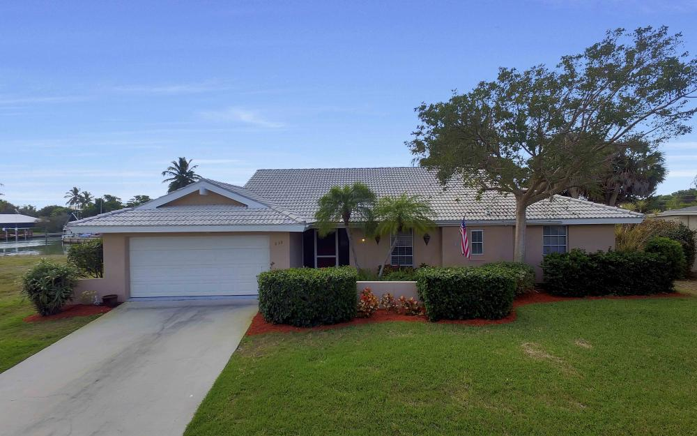 639 Bimini Ave, Marco Island - Waterfront Gulf Access Home For Sale 822970295
