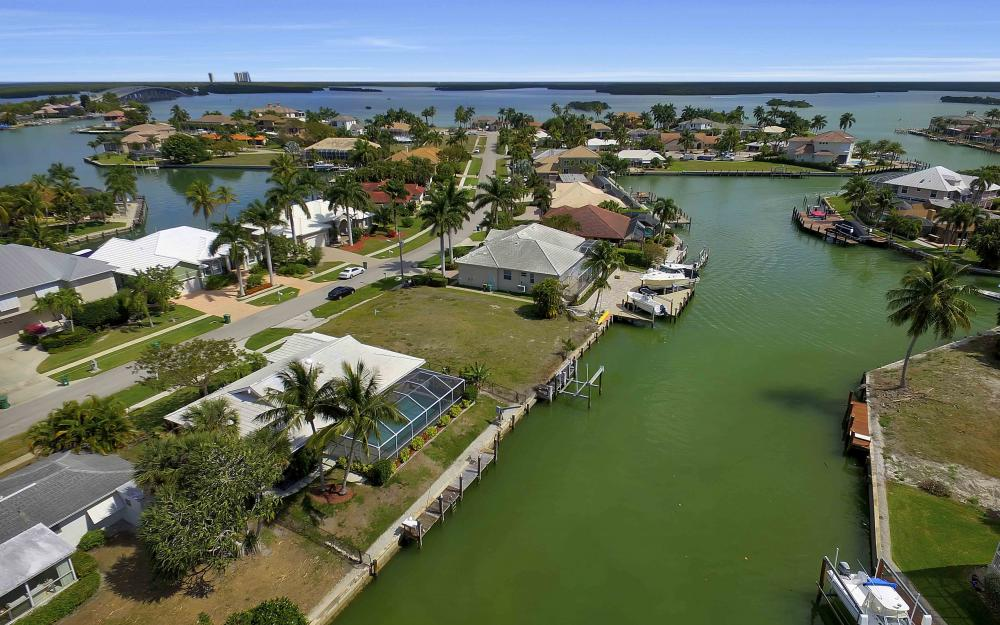 639 Bimini Ave, Marco Island - Waterfront Gulf Access Home For Sale 1756725112