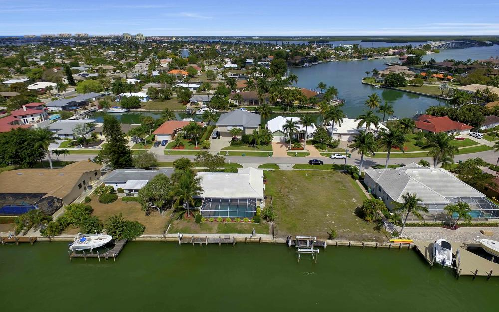 639 Bimini Ave, Marco Island - Waterfront Gulf Access Home For Sale 57004340