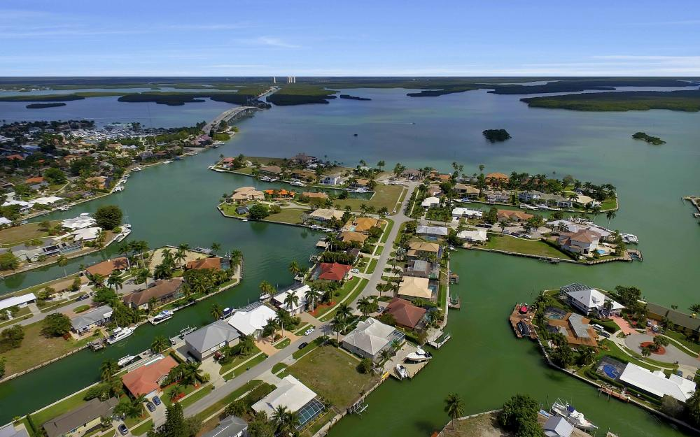 639 Bimini Ave, Marco Island - Waterfront Gulf Access Home For Sale 779140672