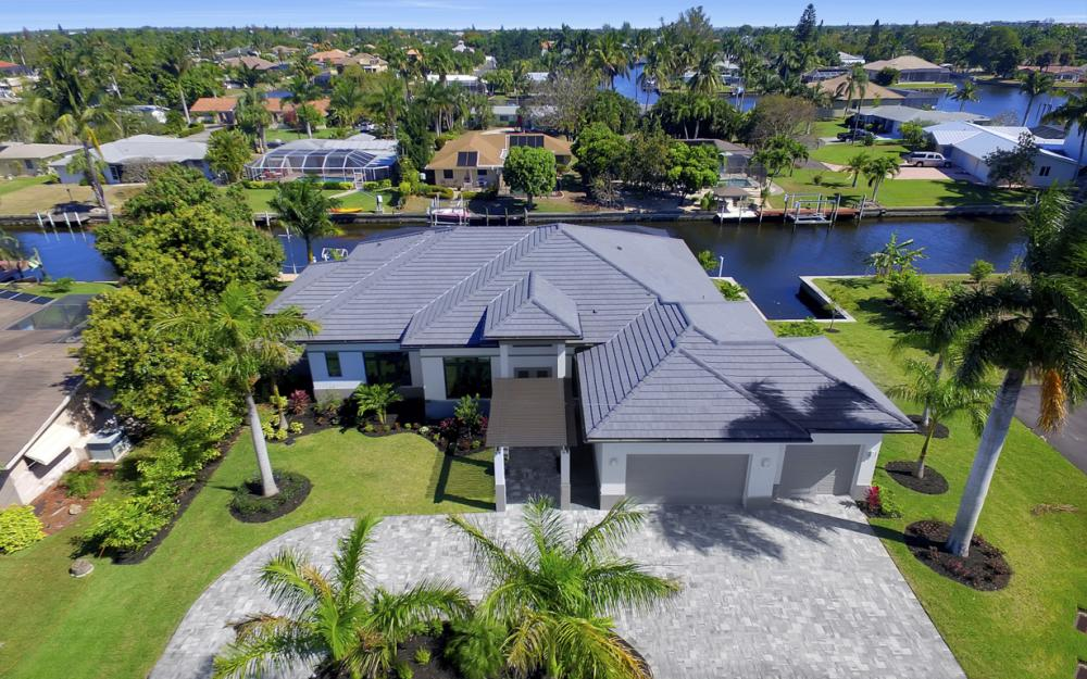 1135 Lorraine Ct, Cape Coral - Luxury Waterfront Gulf Access Home For Sale 1178576369