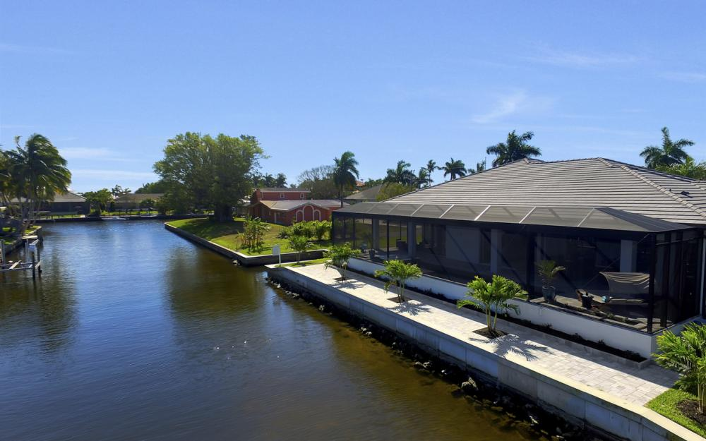 1135 Lorraine Ct, Cape Coral - Luxury Waterfront Gulf Access Home For Sale 392664544