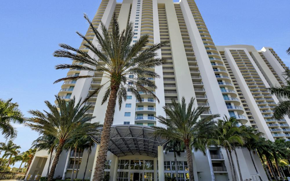 3000 Oasis Grand Blvd # 1807, Fort Myers - Condo For Sale 646290584