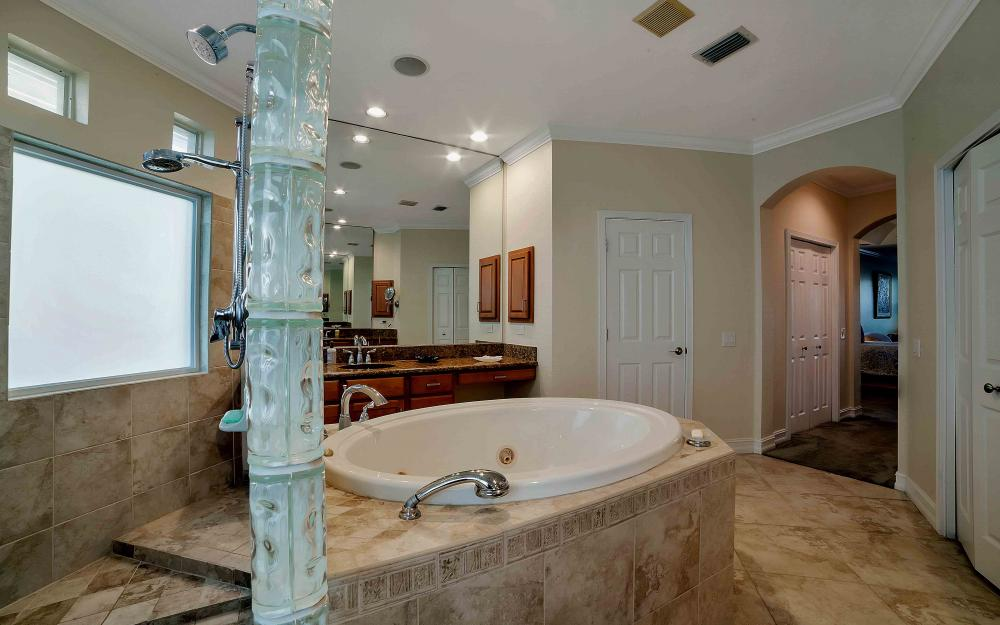 2311 Sagramore Pl, Cape Coral - Home For Sale 938568656