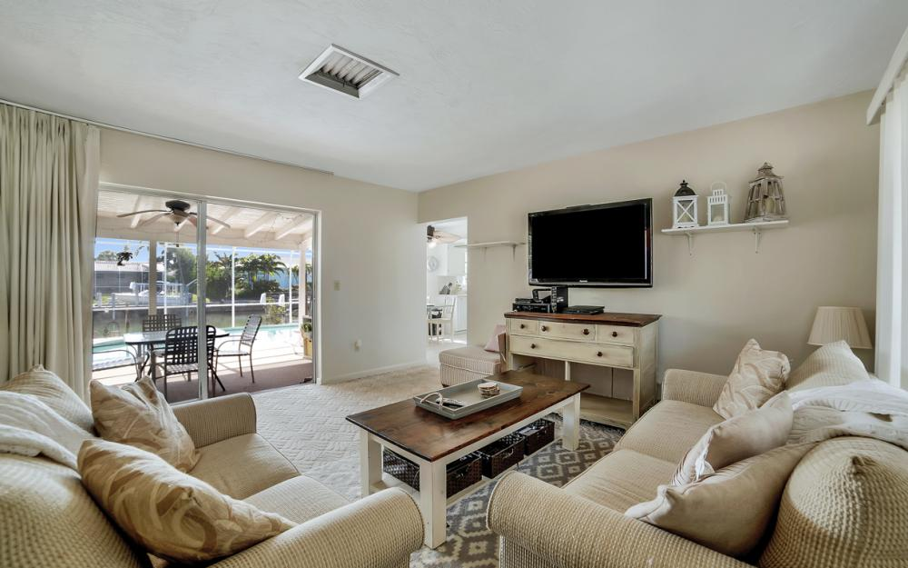 820 Apple Ct, Marco Island - Home For Sale 1905702811