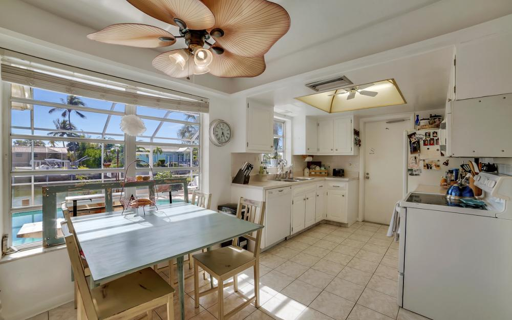 820 Apple Ct, Marco Island - Home For Sale 1941020889
