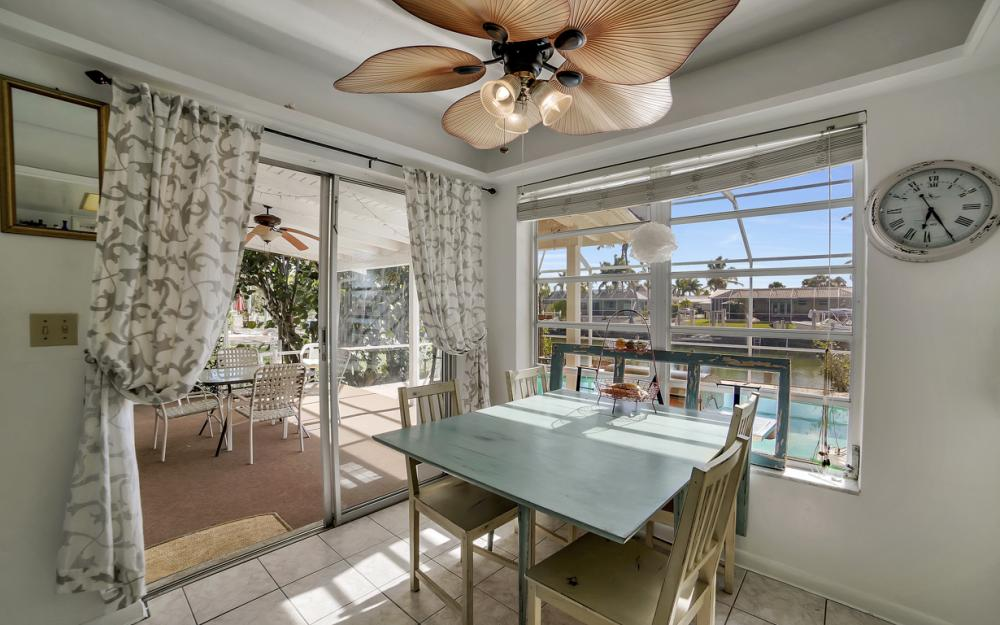 820 Apple Ct, Marco Island - Home For Sale 698386335