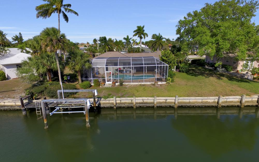 820 Apple Ct, Marco Island - Home For Sale 1939741591