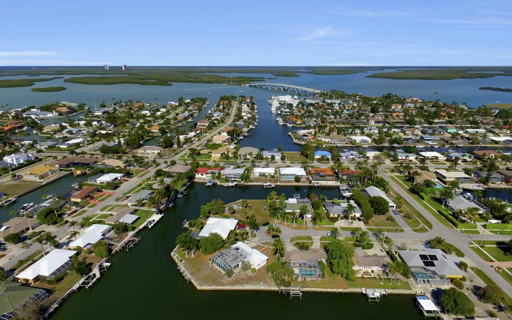 820 Apple Ct, Marco Island - Home For Sale 1810928598