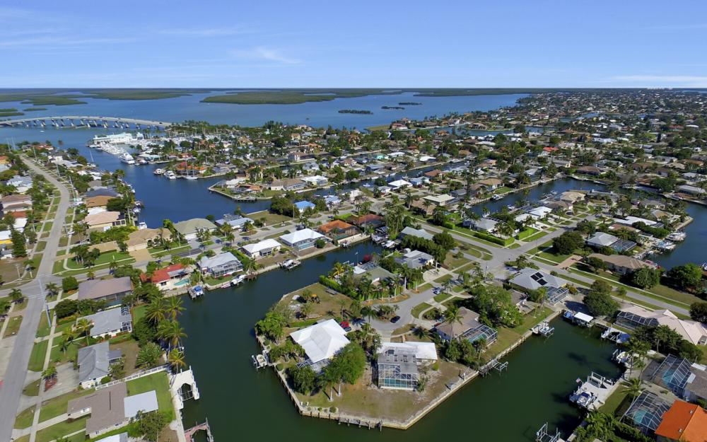 820 Apple Ct, Marco Island - Home For Sale 397635707