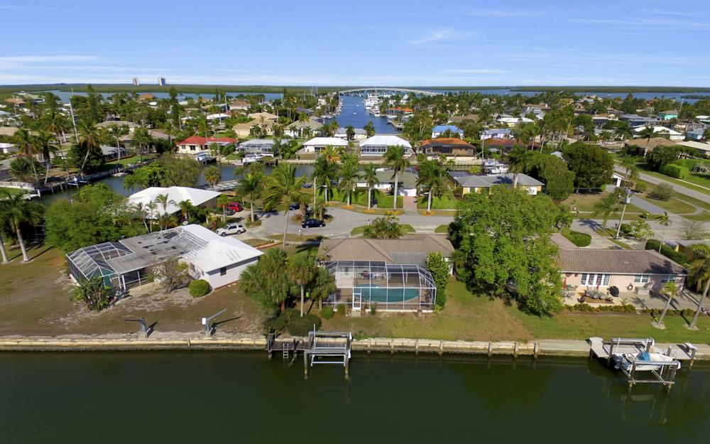 820 Apple Ct, Marco Island - Home For Sale 1135327166