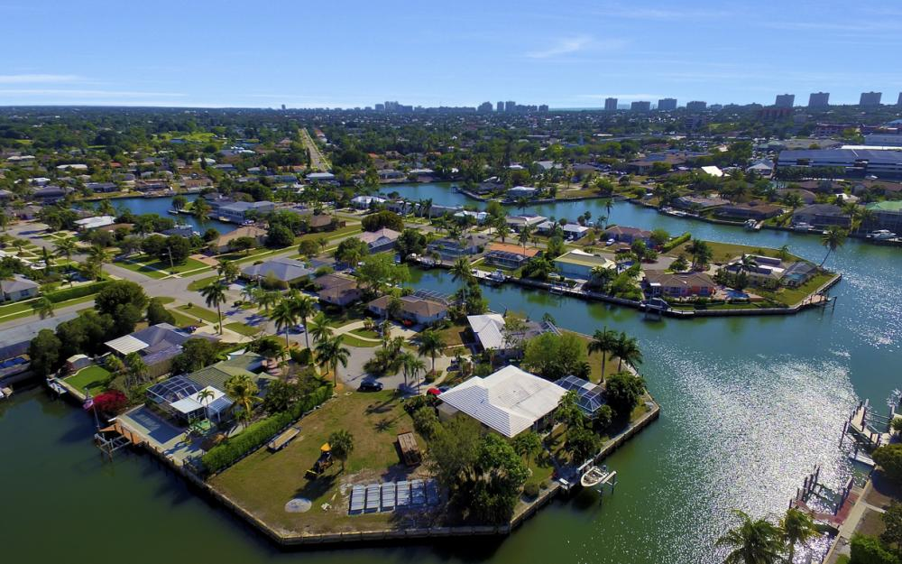 820 Apple Ct, Marco Island - Home For Sale 1244713791