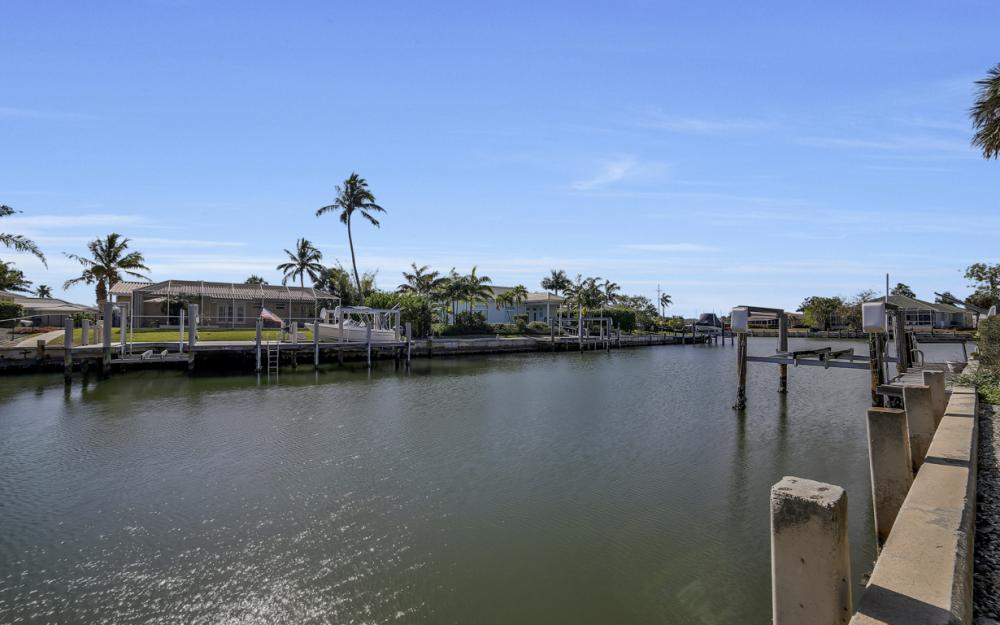 820 Apple Ct, Marco Island - Home For Sale 1856267396