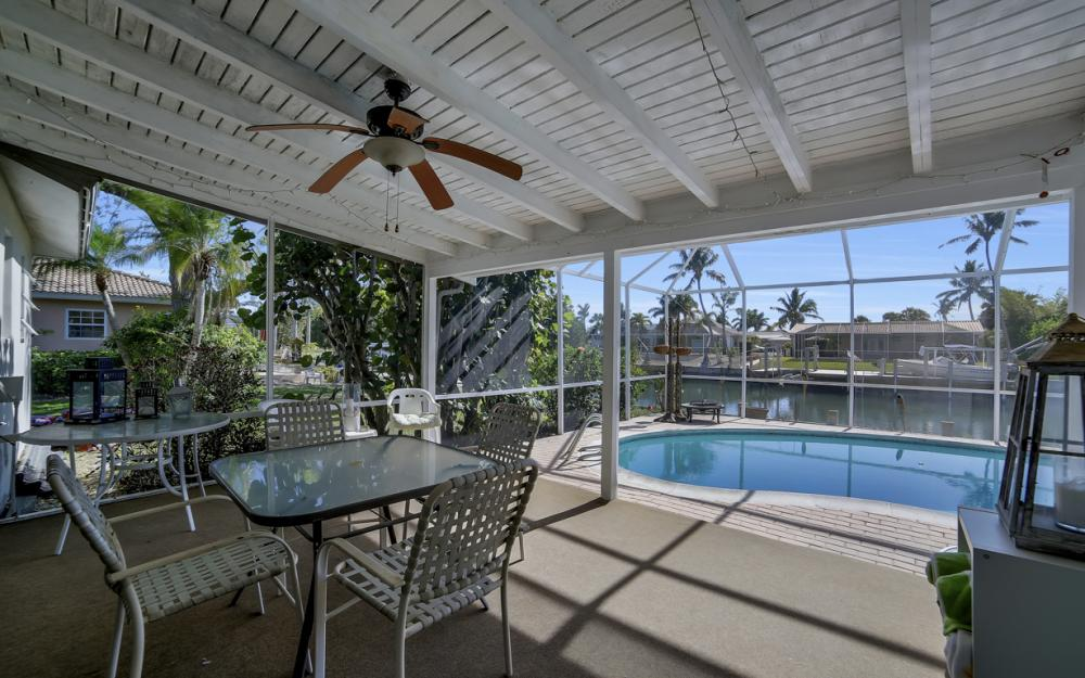 820 Apple Ct, Marco Island - Home For Sale 399825232