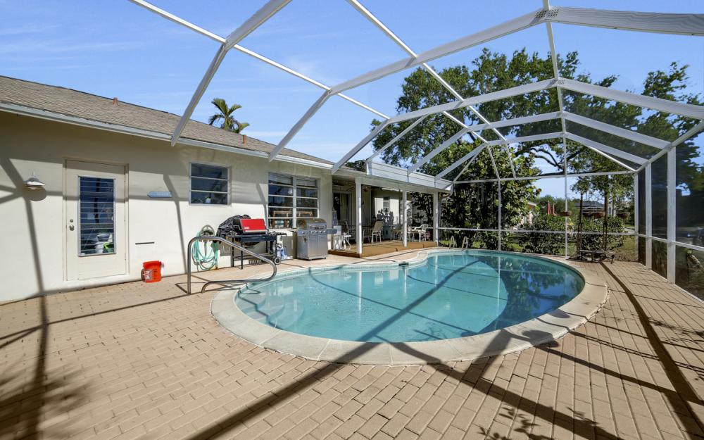 820 Apple Ct, Marco Island - Home For Sale 2079658062