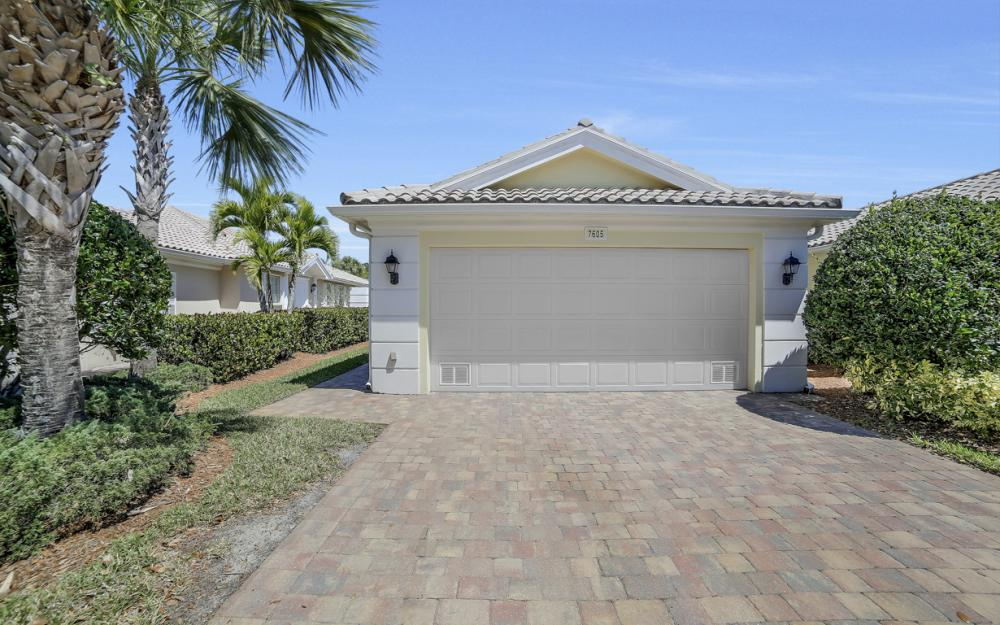 7605 Rozzini Ln, Naples - Home For Sale 735185901