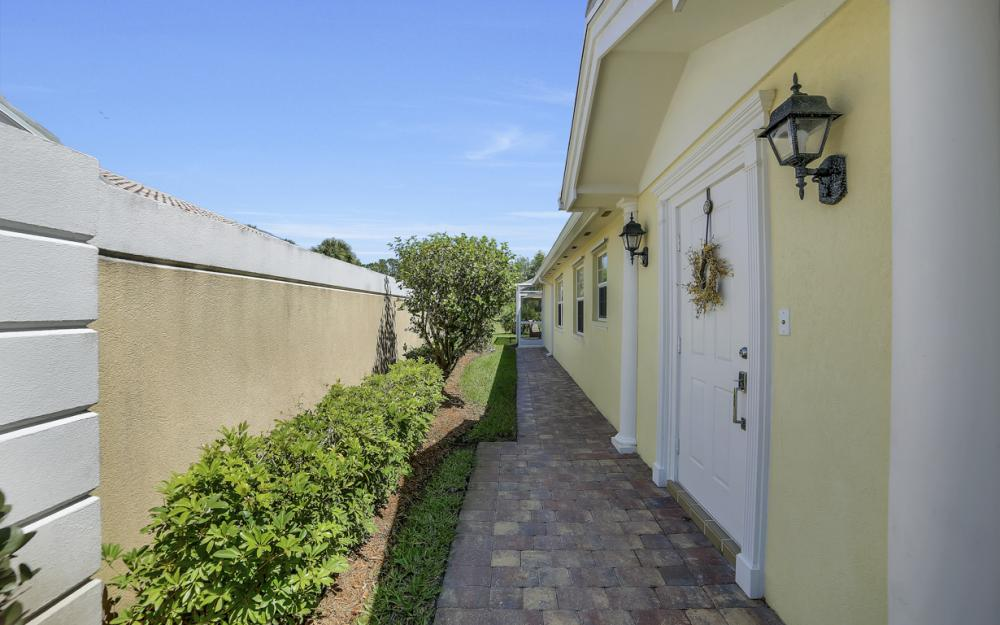 7605 Rozzini Ln, Naples - Home For Sale 1966969380