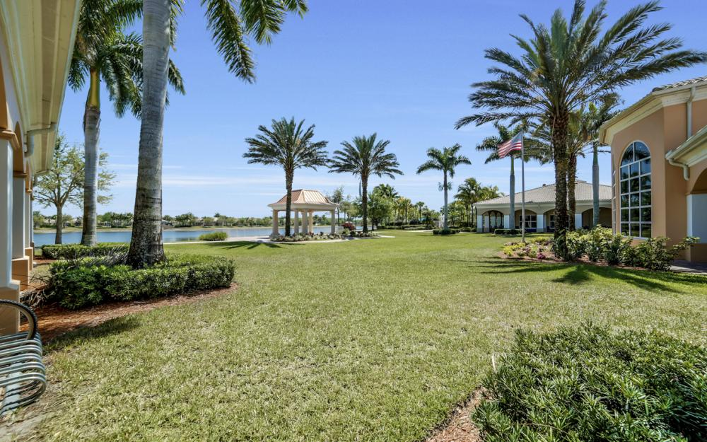 7605 Rozzini Ln, Naples - Home For Sale 1822524907