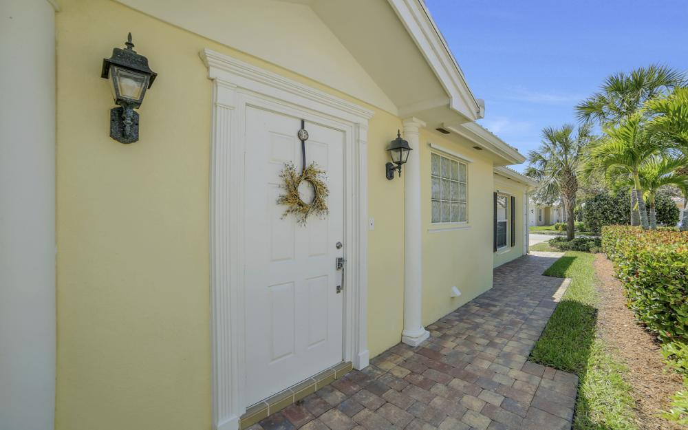 7605 Rozzini Ln, Naples - Home For Sale 1883450567