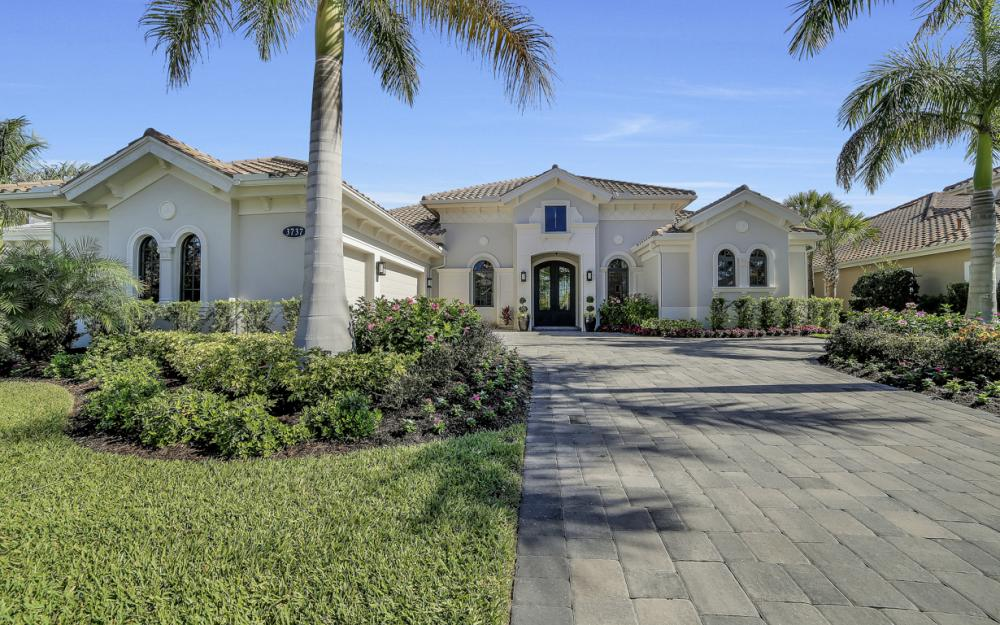 3737 Mahogany Bend Dr, Naples - Home For Sale 339069861