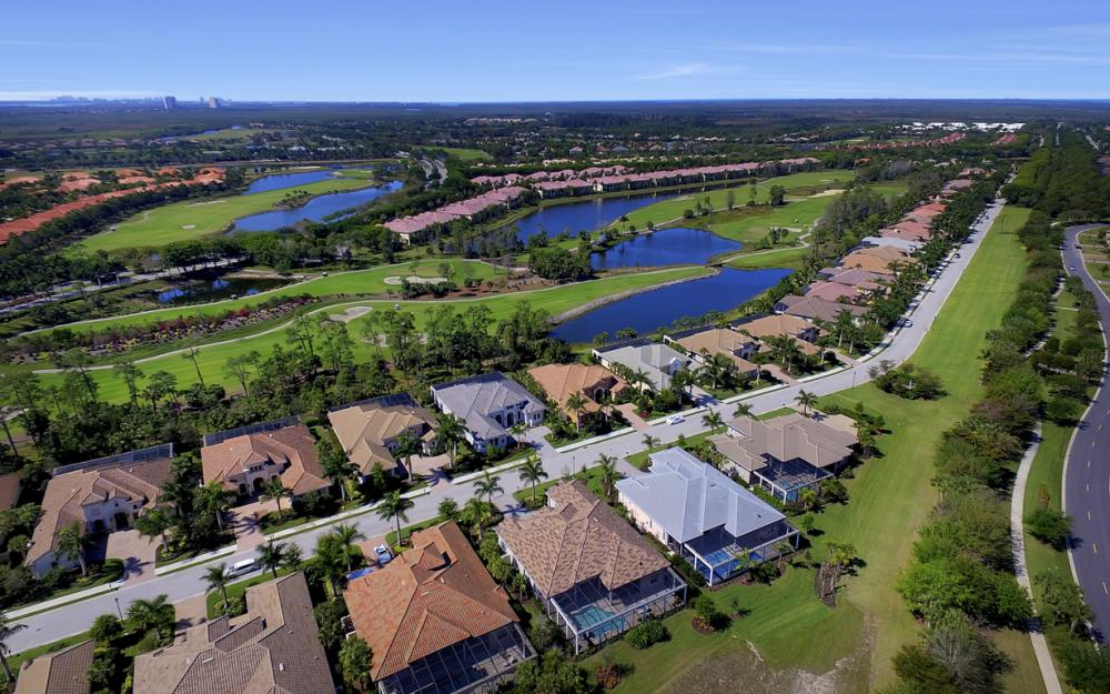 3737 Mahogany Bend Dr, Naples - Home For Sale 94631535