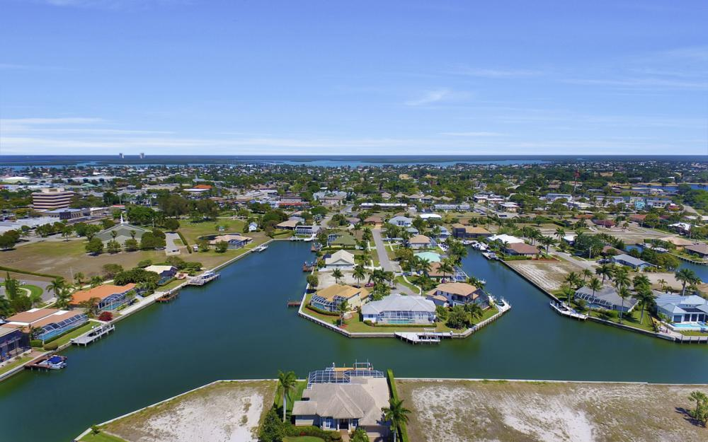 469 Water Leaf, Marco Island - Home For Sale 88024201