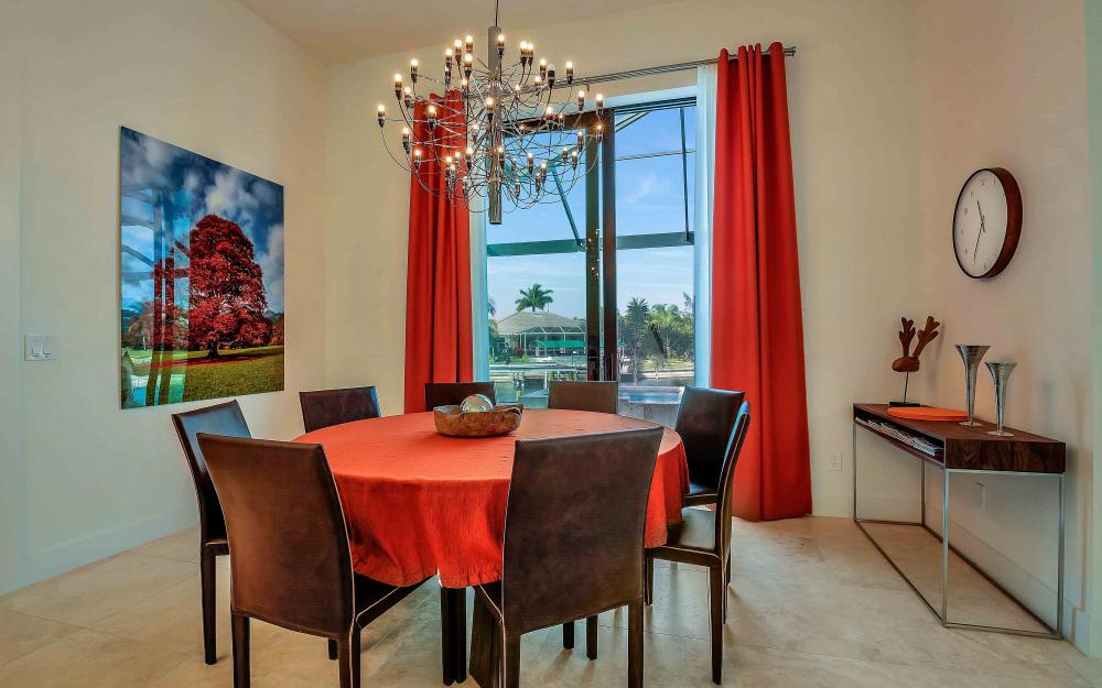 239Listing  -  Sample Tour 587856627