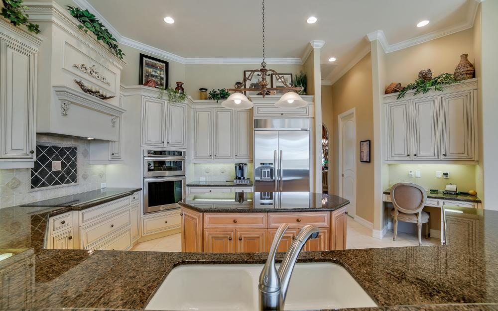 1240 Ember Ct, Marco Island - Wasterfron Gulf Access Home For Sale 214967765