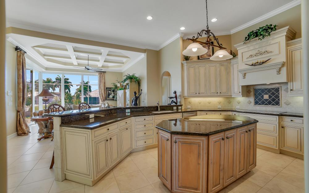 1240 Ember Ct, Marco Island - Wasterfron Gulf Access Home For Sale 1025870472