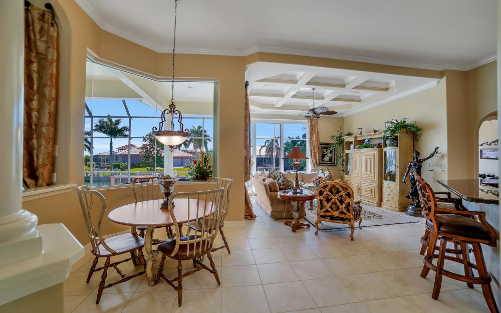1240 Ember Ct, Marco Island - Wasterfron Gulf Access Home For Sale 414363124