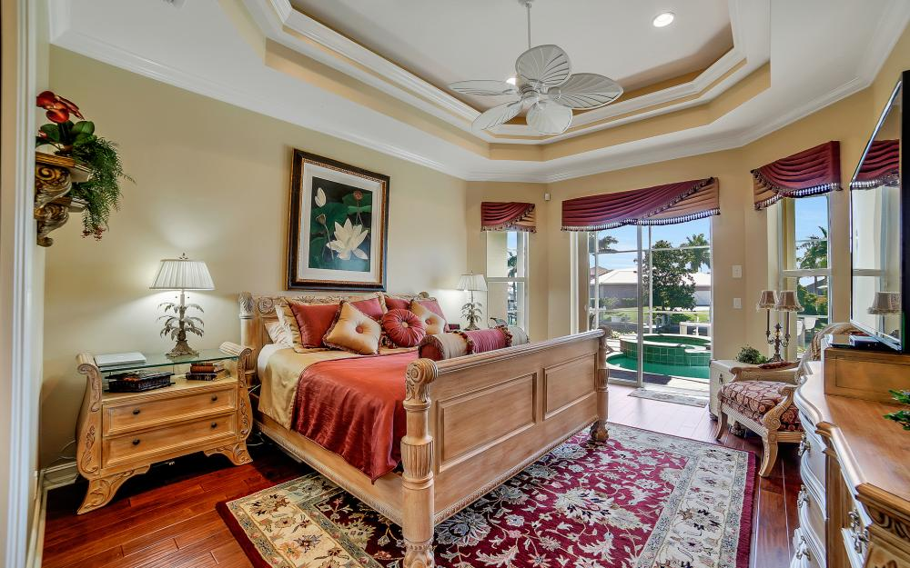 1240 Ember Ct, Marco Island - Wasterfron Gulf Access Home For Sale 352124662