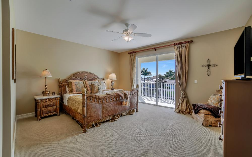 1240 Ember Ct, Marco Island - Wasterfron Gulf Access Home For Sale 576605918