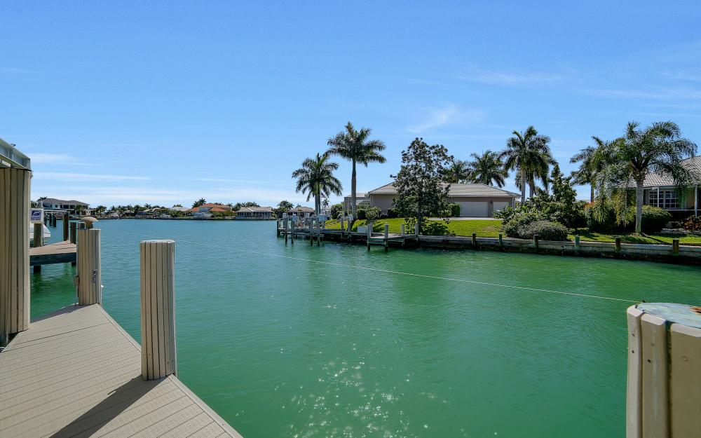 1240 Ember Ct, Marco Island - Wasterfron Gulf Access Home For Sale 56266467