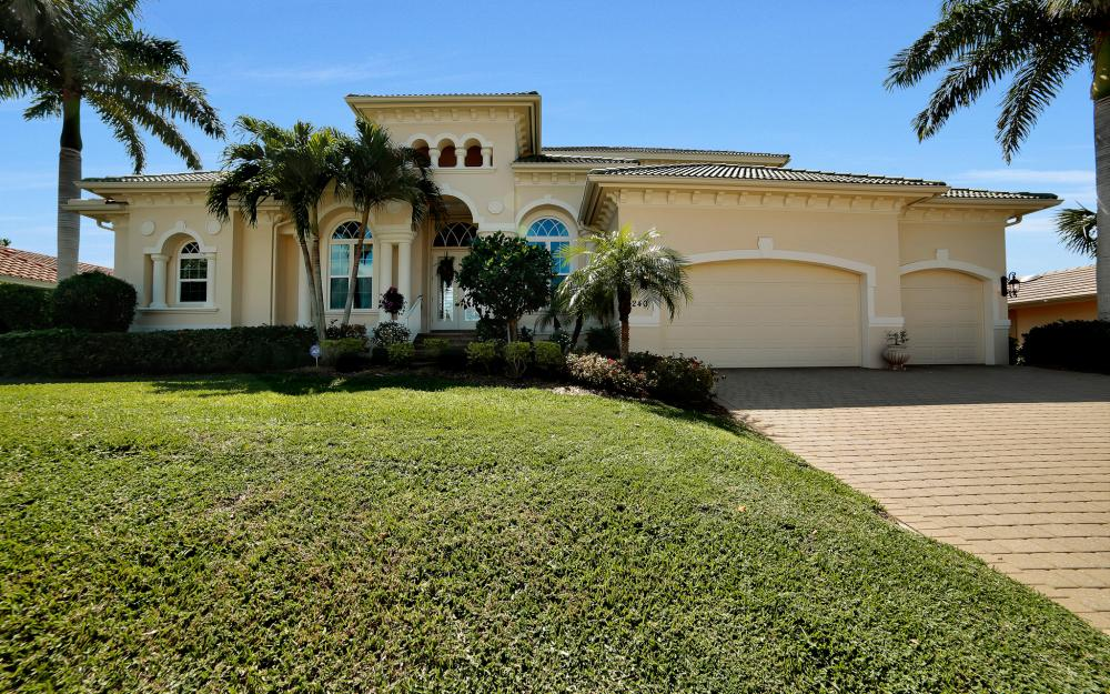 1240 Ember Ct, Marco Island - Wasterfron Gulf Access Home For Sale 657957059